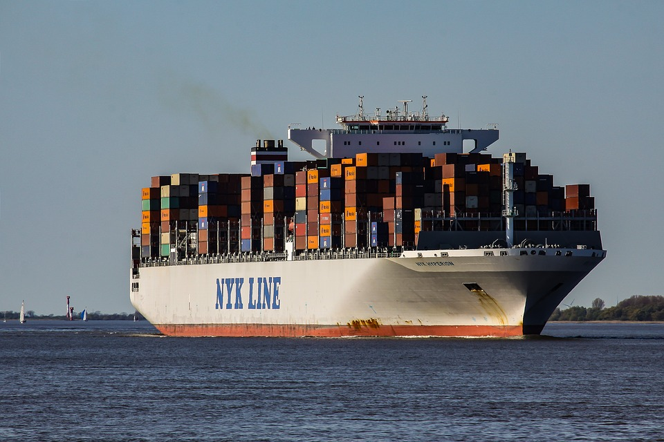 container-ship-2893480_960_720 (1)